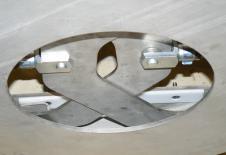 Dispositivo de atadura de big-bag a la salida de una estación de vaciado