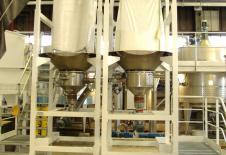 Estacions de buidatge de big-bag amb vis-sens-fi de dosificació